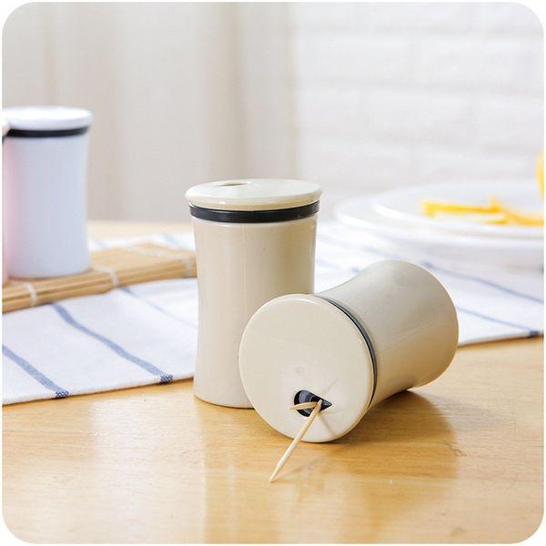 Portable Toothpick Box Simple Style Plastic Toothpick Holders Barrel Dispenser Hiking Portable Kitchen Tool