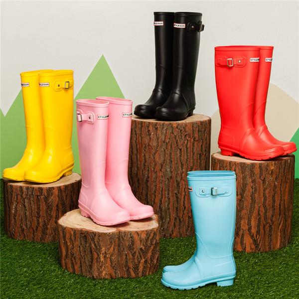 Frauen Regenstiefel Hohe Höhe Gummi Wasserdichte Regenschuhe Gummistiefel Regenstiefel Wasser Schuhe 6 Farbe Hohe qualität EH056