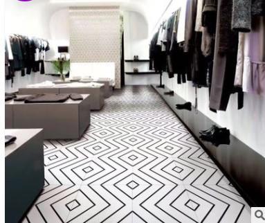 Ligne de carreaux géométriques noir et blanc 300 magasin restaurant chambre salle de bains carrelage mural
