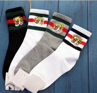 4 цвета четыре пары ace tiger head вышитые дизайнер кроссовок носок антибактериальные д