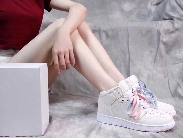 2018 High 1 MID GS Women Basketball Shoes 1s OG Top 3 Mandarin duck four-color elegant beige Designer Sports Shoes 5.5-8.5