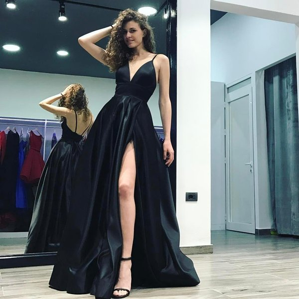 2018 Black Deep V-Neck A-Line Evening Gowns Spaghetti Straps High Slits Long Backless Court Train Satin Formal Evening Dresses New