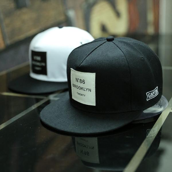 2018 Yeni Erkekler Bayan Brooklyn Mektuplar Katı Renk Yama Beyzbol Şapkası Hip Hop Kapaklar Deri Güneş Şapka Snapback Şapka Ücretsiz Alışveriş