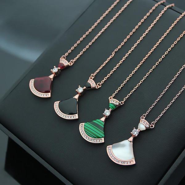 JewelryStore999 W lettre en acier de titane 316L agate noire naturelle lettre B avec diamant jupe dames dame plaqué or rose 18K chaîne longueur de la chaîne 47cm