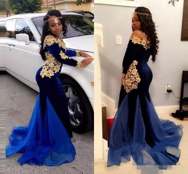 2018 Nuovo modello a maniche lunghe abiti da sera Off spalla scollatura sirena Royal Blue Velvet con Pretty Gold Lace Black Girls Prom Dresses