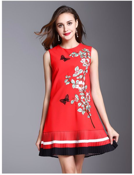 2018 Fashion Women Winter Europe and the United States new embroidered butterfly flower round neck sleeveless dress