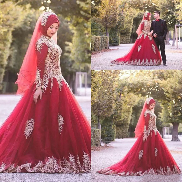 2019 Muslim Wedding Dresses Red High Collar Gold Appliques Long Sleeve Tulle Vintage Bridal Gowns Plus Size Wedding Dress