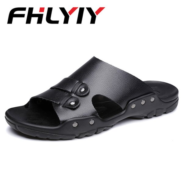 New Men Leather Sandals Male Summer Beach Slippers Hole Hollow Out Ventilating Men Shoes Breathable Beach Sandals Hot Sapato