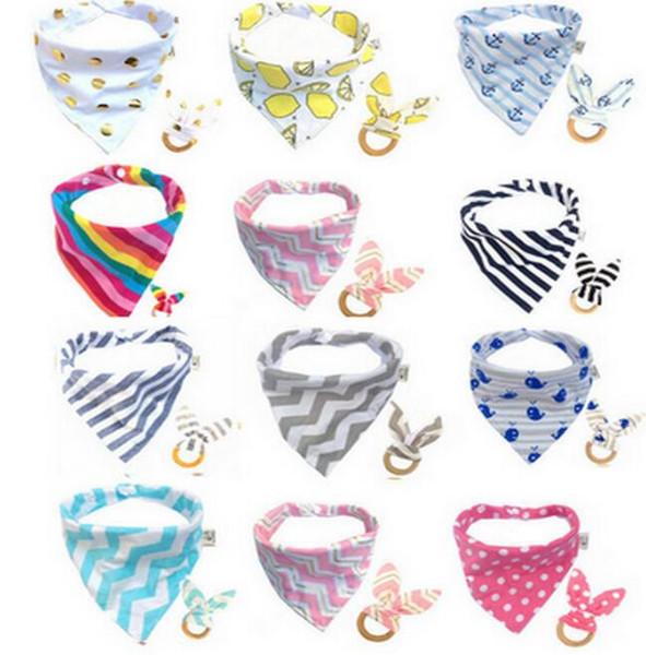 Baby Bibs + Dientes Stick 2 unids / set Infantil Patrón de Onda Burp Cloths Dientes anillo de Saliva toalla de Madera Dentición Entrenamiento EEA452