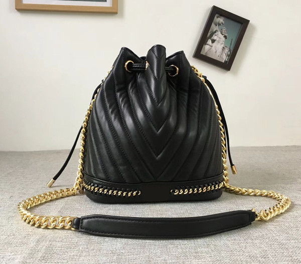 2018 Spring Women's Geunine Lambskin Leather Bucket Bag 25cm Chevron V Quilted Chain Shoulder Bag Lady Purse