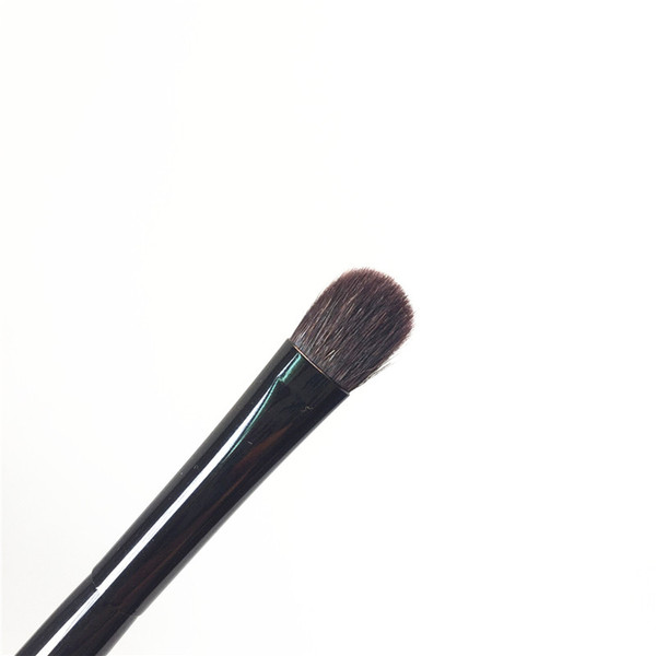 EYESHADOW BRUSH F