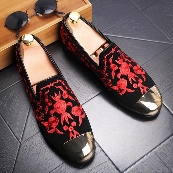 4abef9e55432d Bordado masculino europeu Sapatos de condução Couro nobuck slip-on calçado  Designer de cabeça de