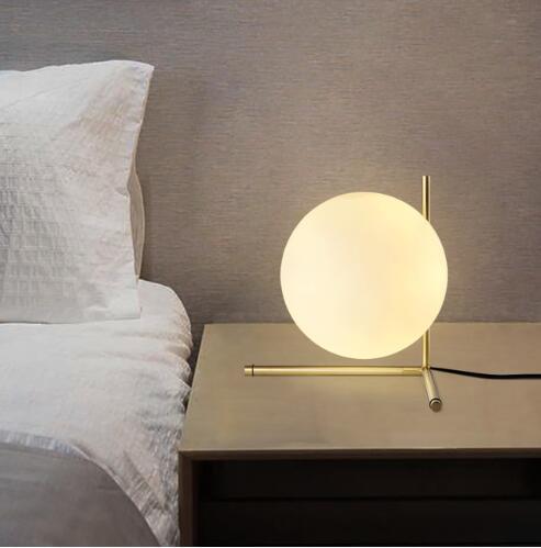 Lampe de table A