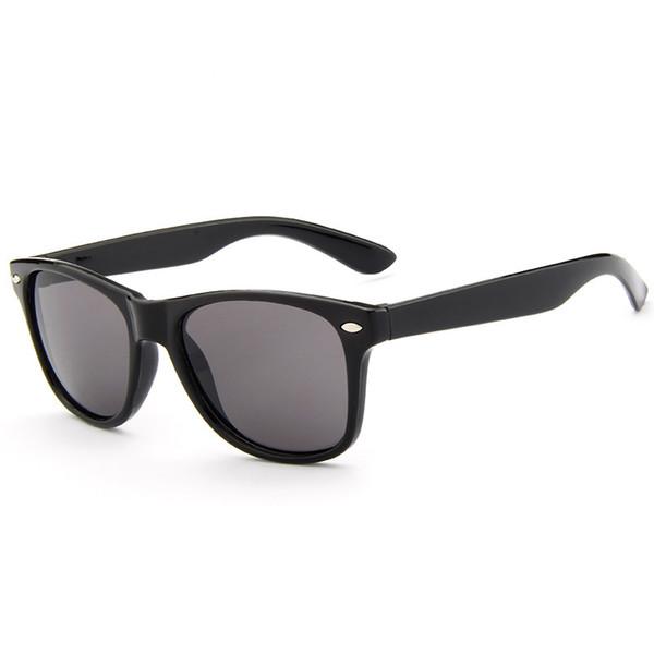 Sunglasses for Kids Classic Light Mix Color Sun Glasses Boys Girls Designer Adumbral Fashion Children Summer Beach Sunblock New