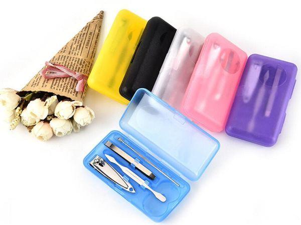 2019 NOUVEAU 4 Pcs / set Nails Clipper Kit Ensemble De Manucure Tondeuses Tondeuses Pédicure Ciseaux Couleur aléatoire Nail Outils Ensembles Kits Manucure Outil