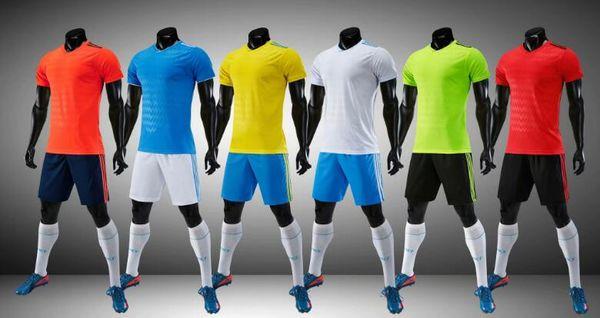 2018 2019 Adult Kit Personalisiert Ihr Team Logo Blank Soccer Jerseys Set Uniform Camisetas de Futbol mit Fußball Shorts