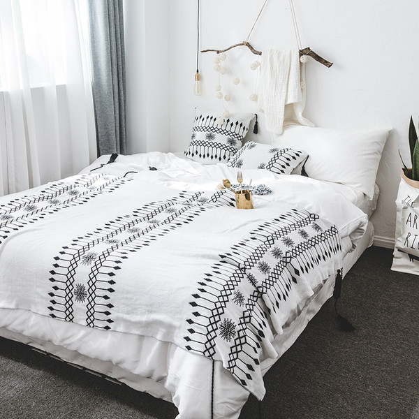 New Knited Black and White Throw Blanket Bohemia Style Double Sides Soft Knited Cotton Blanket 130cm*160cm for Home Decoration