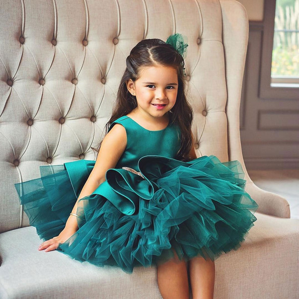 Hunter Tiered Ball Gown Flower Girl Dresses For Wedding Jewel Neck Toddler Pageant Gowns With Bow Tie Knee Length Satin Kids Prom Dress