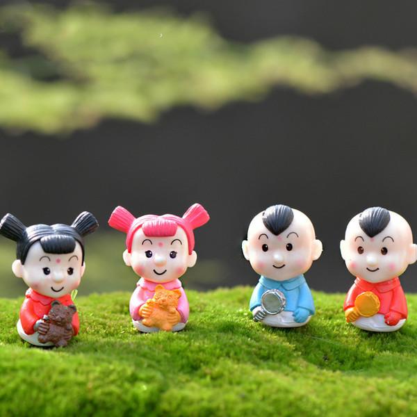 1 Paar Chinesischen Stil Cartoon Fuwa Puppe Ornamente Frohes Neues Jahr DIY Material Kuchen Zubehör Micro Landschaft Büro Arbeitszimmer Dekoration