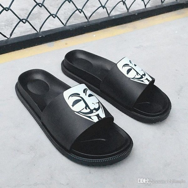 brand designer slippers men Mask Smiling face slippersr outdoor antiskid rubber comfortable leisure slippers outdoor beach flip-flops