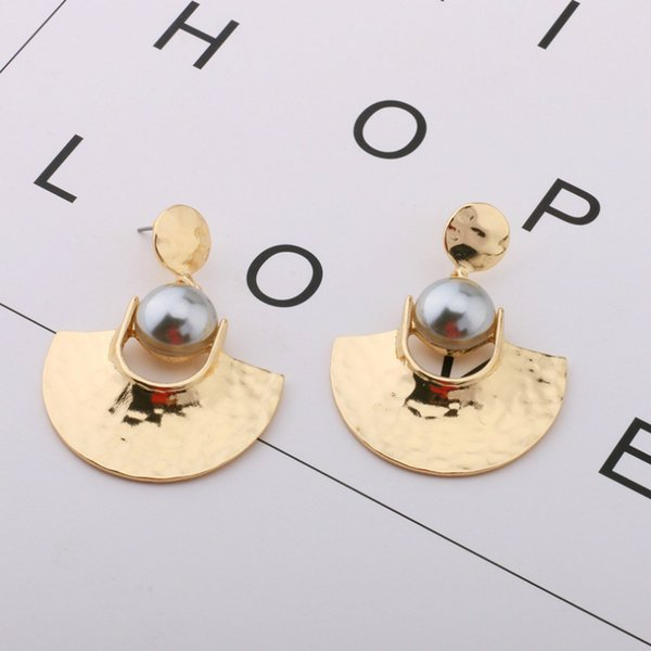 Arvato 2018 new Korean gold color 585 geometry sector charms Pearl Earrings Classic metal party big wedding earrings for women C18110901