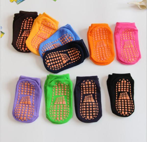 best selling children park socks Professional anti-skid trampoline socks for baby bounce socks boy girl jump sock silicone antiskid floor sock for 1-4