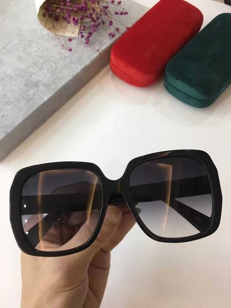 Luxury Brand Sunglasses Large Frame Elegant Special Designer with Rivets Frame Built-In Circular Lens Top Quality 0096 Come With Case