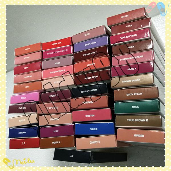 El kit de maquillaje de labios KL más reciente es un lápiz de labios mate líquido para las vacaciones y un delineador de labios Take Me On Vacation 41 colores