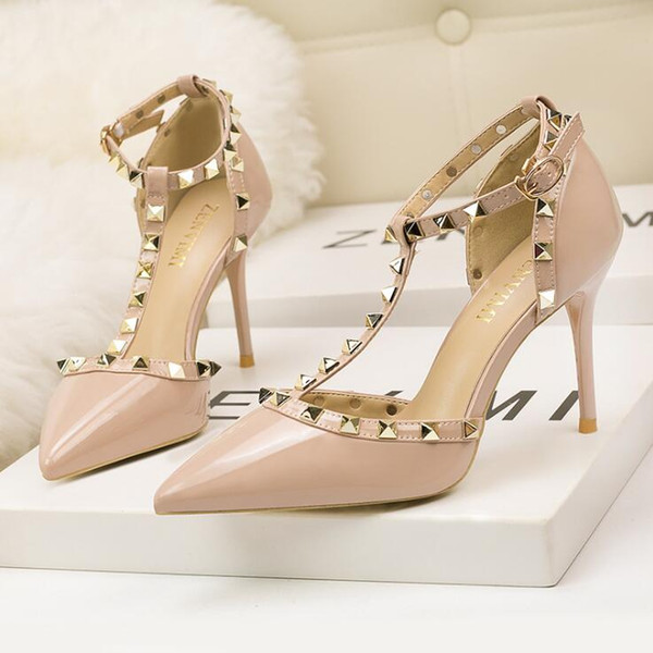 9CM Talons hauts Sexy Rivet Discothèque Femmes Chaussures Bouche peu profonde Évider Boucle Chaussures de mariage Chaussures de soirée Sandales Escarpins