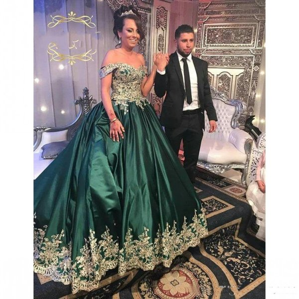 2018 Dark Green Arabic Princess Prom Dresses Off Shoulder Ball Gown Gold Lace Applique Middle East Quinceanera Dress Evening Wear
