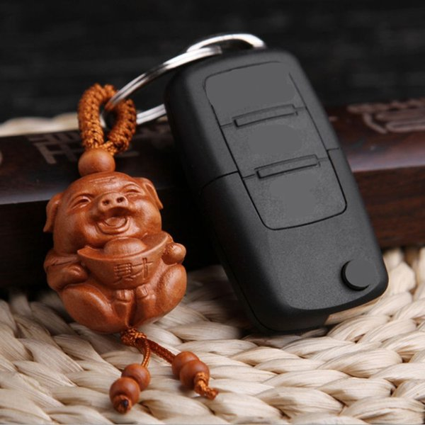 New Arrival Natural Wood Carved Pig Shaped Key Chain Key Ring Holder Lucky Keychain Jewelry Gift