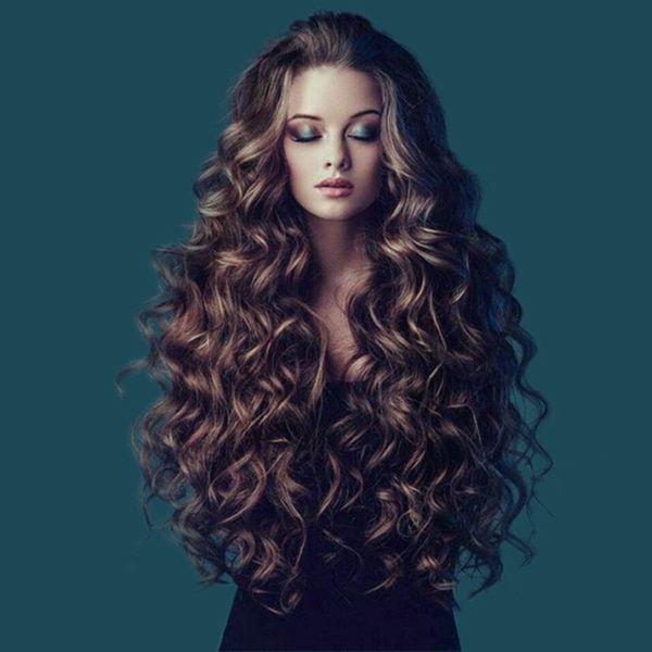 ZhiFan natürliche Wellen blonde braune Perücke lockige Perücke 26inch langes braunes gewelltes Haar schlägt Medium