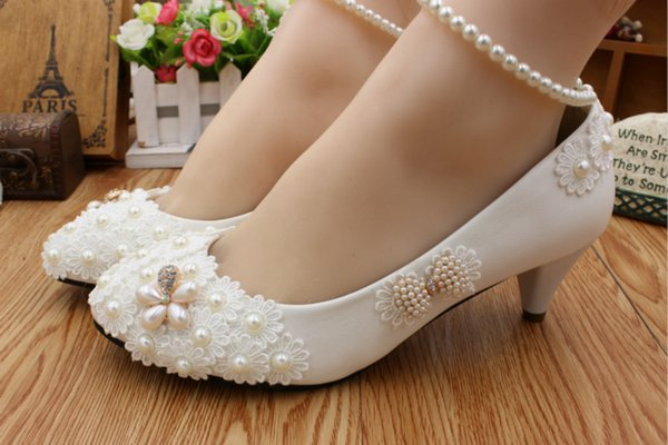 2018 new autumn the bride wedding dress white wedding shoes pearl bow low with the bride maid of honor
