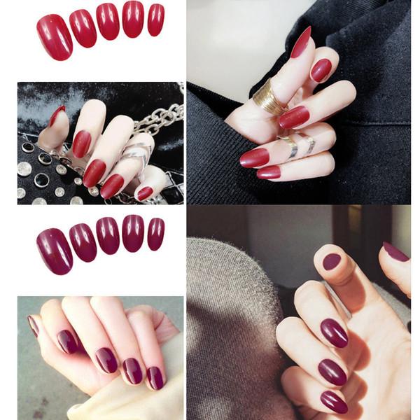 24pcs / Ensemble Couleur Pure Design Court False Nails Rouge Bleu Rose Tête Ronde Pleine Couverture Filles Nail Art Artificielle Faux Ongles avec Colle