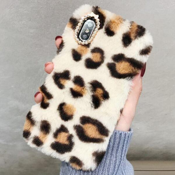 Rhinestone de lujo caliente funda de piel para iPhone X XR XS Max iphone 7 8 6 6S Plus Funda de terciopelo de felpa de invierno TPU Shell piel cubierta casco GSZ489