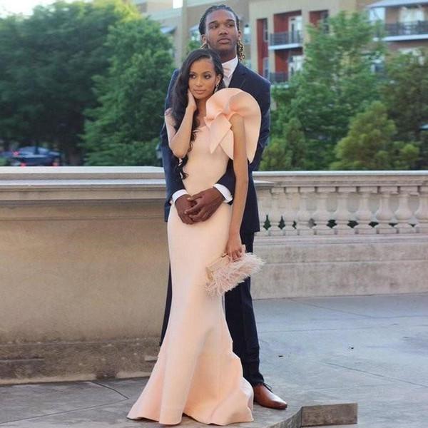 2019 robes de bal africaines sirène une épaule longueur de soirée robes de soirée avec des volants élastiques robes de soirée en satin