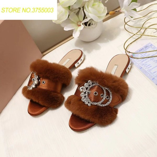 New Fashion Fur Women Slippers Luxury Crystal Buckle Decor Women Mules Runway Party Dress Shoes zapatos de mujer Outfit Slippers