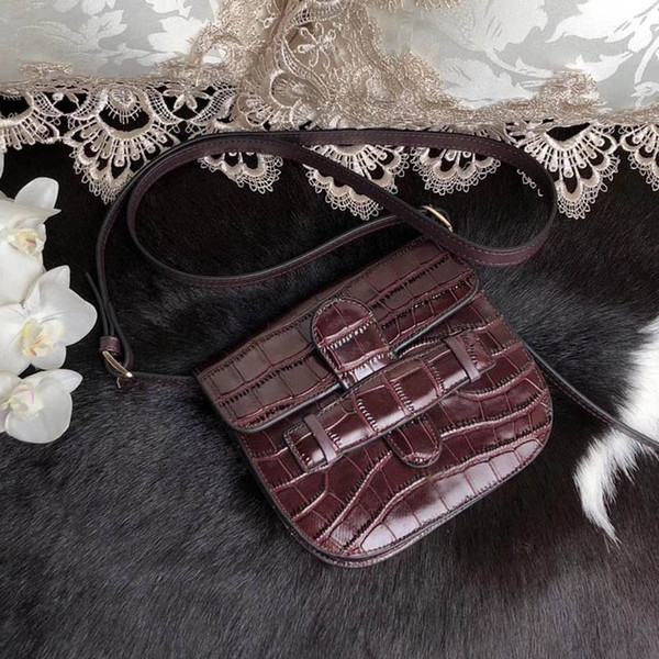 Borse a tracolla classiche marca famosa designer di moda di lusso signore borse a tracolla borse a tracolla donne borsa a tracolla vendita calda dimensioni: 18x15cm