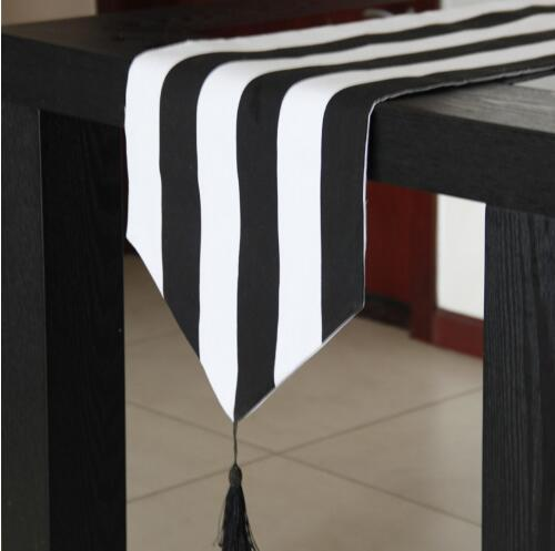 top popular Table Runner Black and White Striped Table Runners Home Hotel Dustproof Table Cloth Party Supplies Wedding Decoration XY0004 2019