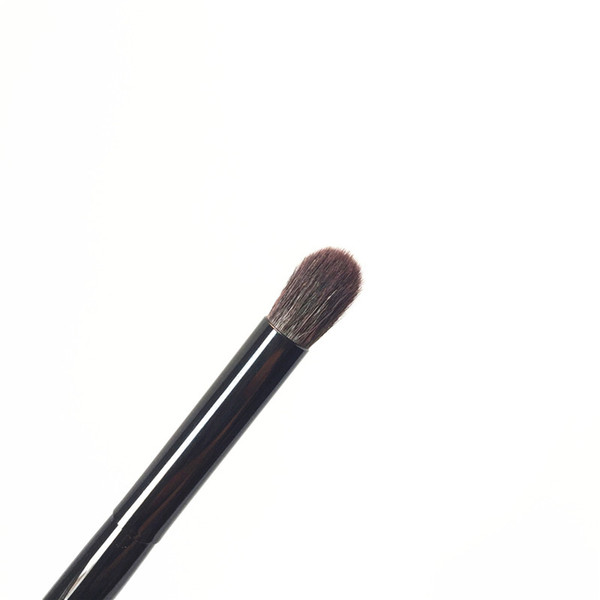 EYESHADOW BRUSH M