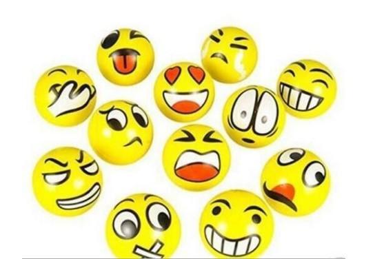 6.3cm QQ Emoji Smiling face ball Stress Squeeze Ball Wrist Finger Training Balls Soft Sponge PU Ball Children Kids Toys DHL 96pcs