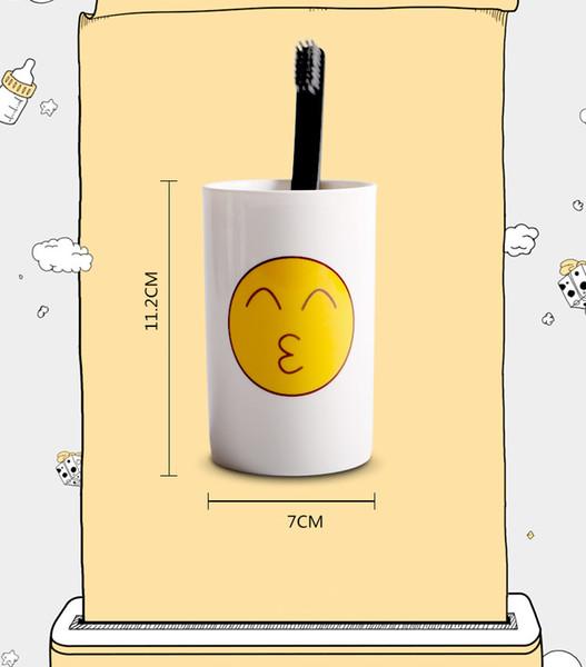 Compre 6 Estilos Encantador Rosto Sorridente Emoji Caneca Porcelana Cocô Shop Cup Dos Desenhos Animados Divertido E Triste Legal Casal Canecas Xícaras