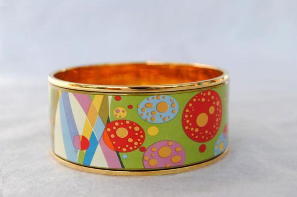 Flower of Love Series 18K позолоченный эмалевый браслет-браслет для женщин Браслеты высочайшего качества шириной 30 мм Модные украшения