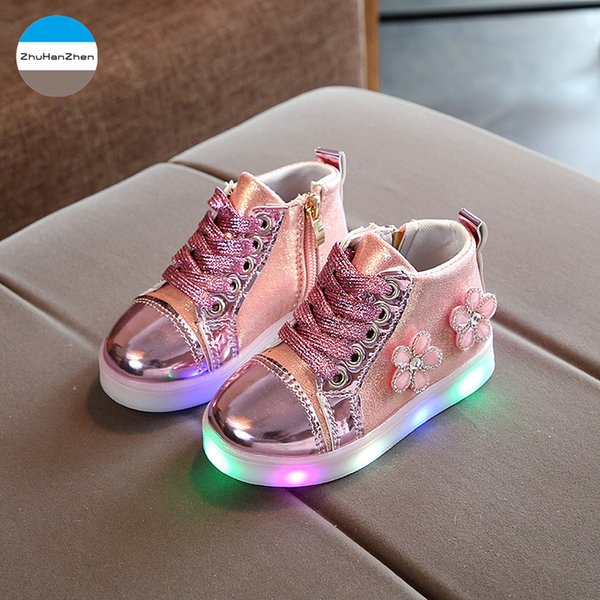 2018 New LED lighted baby girls boots fashion flowers princess shoes soft bottom toddlers boots sneakers infant first walk