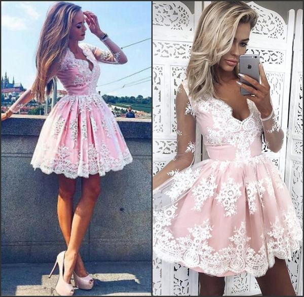 Longitud de la rodilla Una línea Cuello en V profundo Mangas largas Vestidos de fiesta de encaje de tul baratos Blush Pink Vestidos de fiesta de encaje de regreso