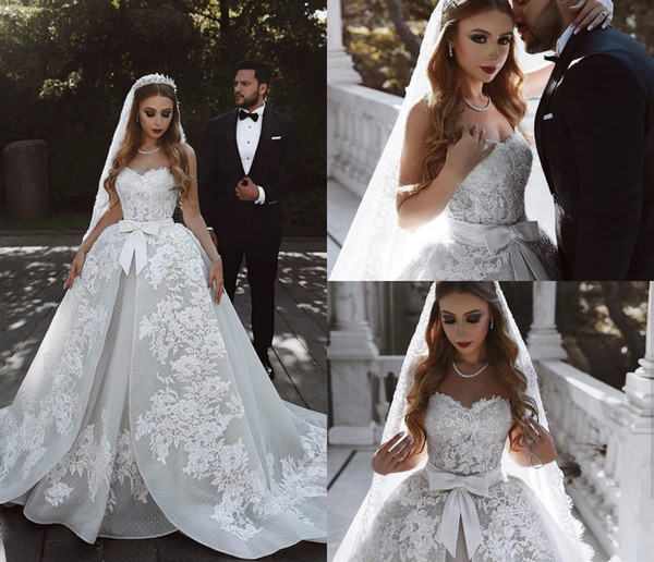 Vintage Wedding Dresses A Line Sweetheart Lace Appliques Beaded Sweep Train Dubai Wedding Dress With Matching Wedding Veils Bridal Gowns