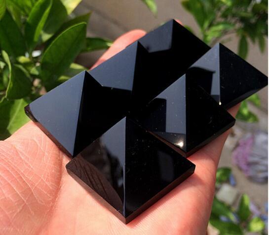 Decorações de cristal natural de obsidiana em pirâmide