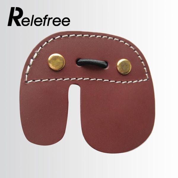 Pellicola protettiva per guanto di protezione per dita con arco in pelle sintetica