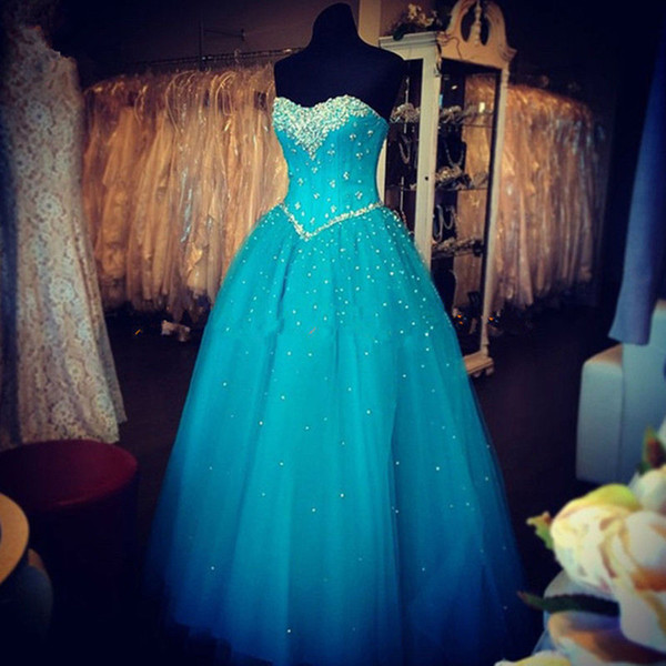 2017 Seksi Kristal Mavi Balo Quinceanera Elbise Boncuk Pullu ile Tül Dantel Up Artı Boyutu Tatlı 16 Elbise Vestido Debutante Törenlerinde BQ107