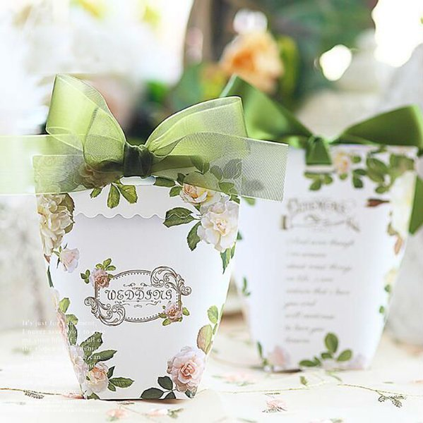 50 x Green Leaves Wedding Favors Candy Box Sachet Party Favors Gift Box Paper Candy Bags Gift Bags Bomboniera Chcoclate Box